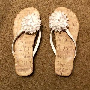 Shoes - 🌷Super CUTE White Summer Sandals-Size: 7